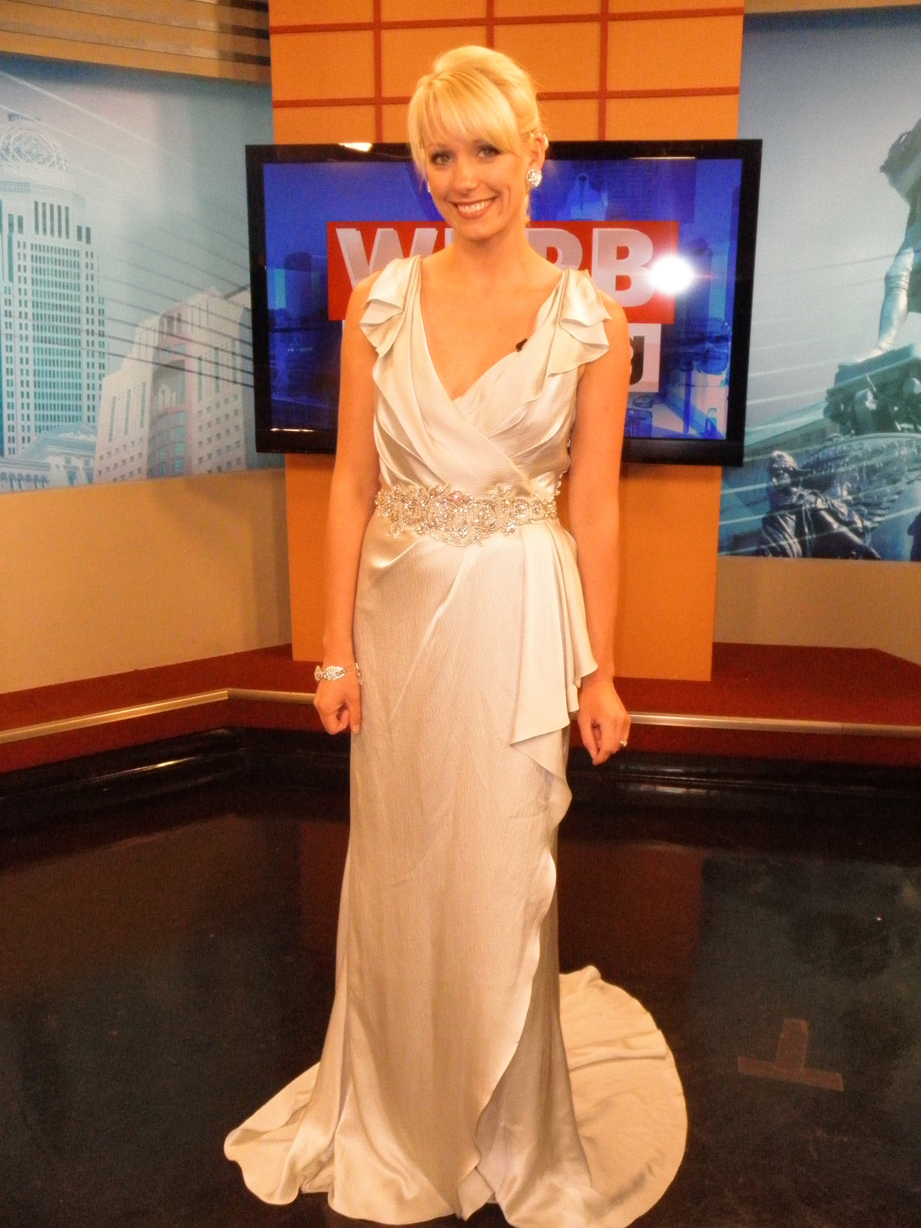 Wedding dresses with crystals veils and bling wdrb 41 wedding dresses with crystals veils and bling are in style for 2012 ombrellifo Images