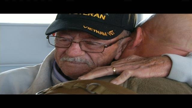 Soldiers Return Home To Kentucky In Time For Christmas Wdrb 41