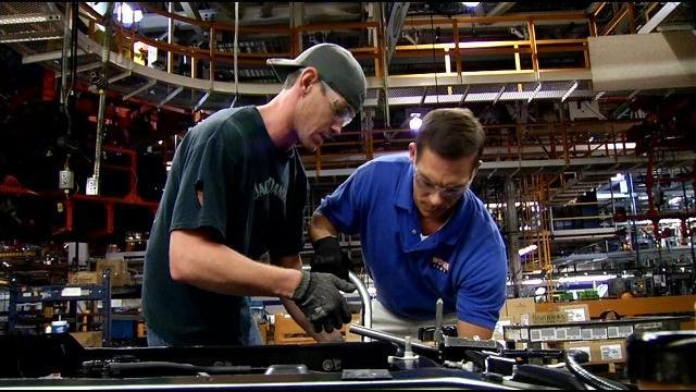 Swapping gigs sterling riggs goes under the hood wdrb for Ford motor credit franklin tn