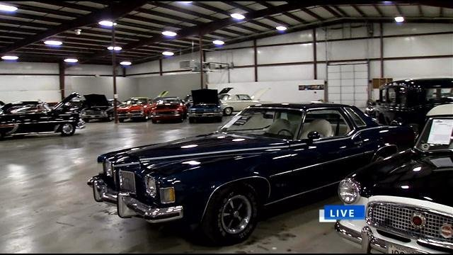 A Look Inside The World S Largest Classic Car Showroom Wdrb