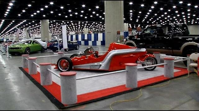 Carl Casper Auto Show Brings Cool Cars And New Designs To Fans - Cool cars louisville ky