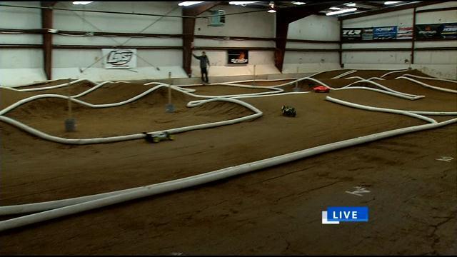adventure rc raceway home of indoor dirt race track wdrb 41 louisville news. Black Bedroom Furniture Sets. Home Design Ideas