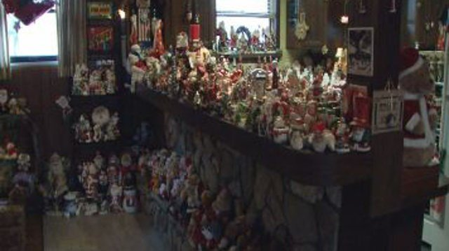 Clarksville man turns Christmas decorations into food pantry don ...