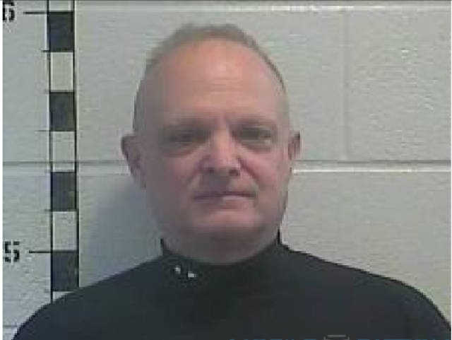 Simpsonville KY Police officer arrested in connection with